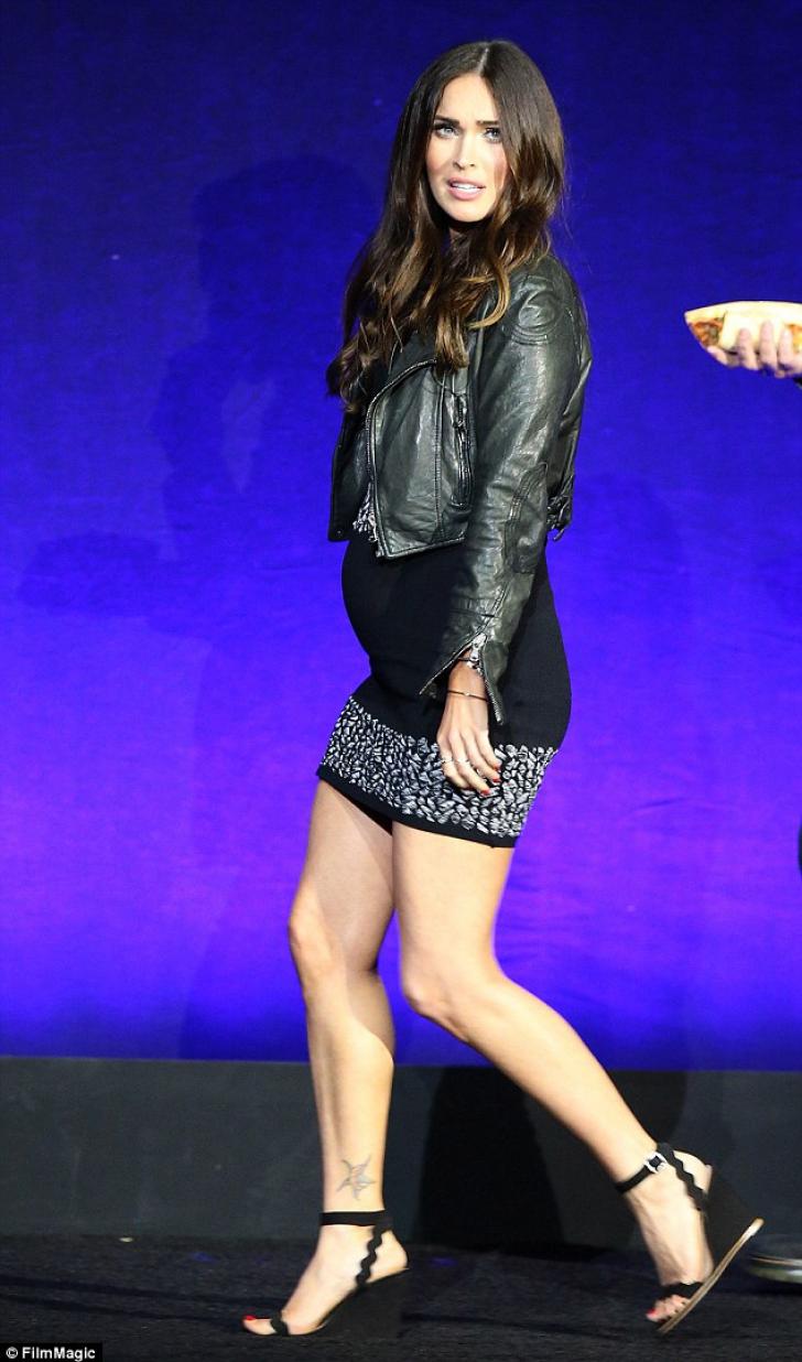 Megan Fox, dată de gol de fotografii la opt luni de la divorţul de Brian Austin Green  - FOTO
