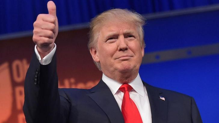 Trump,atacat cu ouă și forțat să folosească o intrare secretă pentru a scăpa cu viață, în California
