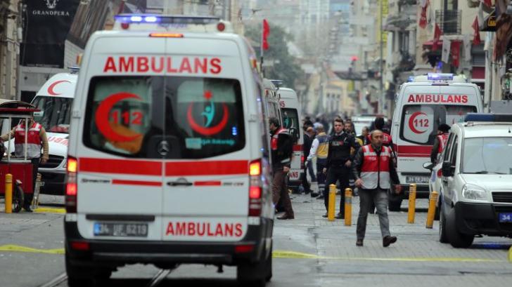 Atentat cu bombă lângă Marea Moschee din Bursa, Turcia. Cel puțin șapte răniți