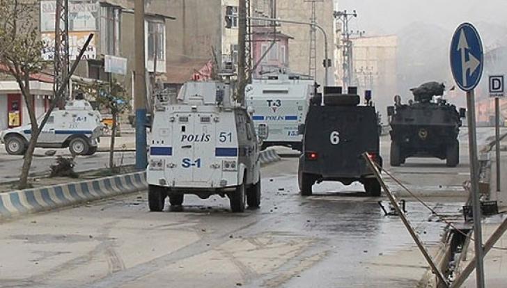 Cinci soldați și un polițist turc, ucişi într-un atentat cu bombă din Nusaybin