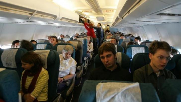 """Motivul incredibil pentru care un pasager a fost dat jos din avion. """"Au încercat să mă intimideze"""""""