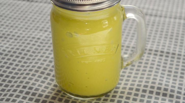 Băutura magică: O linguriță pe zi topește un cm de grăsime de pe talie. Iată cum se prepară