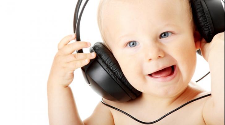 Îi pui muzică bebelușului tău? Efectul incredibil al acestui obicei