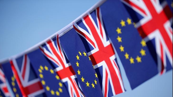 Petiţia pentru al doilea referendum privind apartenenţa Marii Britanii la UE, MILIOANE de semnături