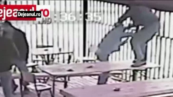 Scene din filmele de acţiune, la o terasă din Dej. Ce au surprins camerele de supraveghere