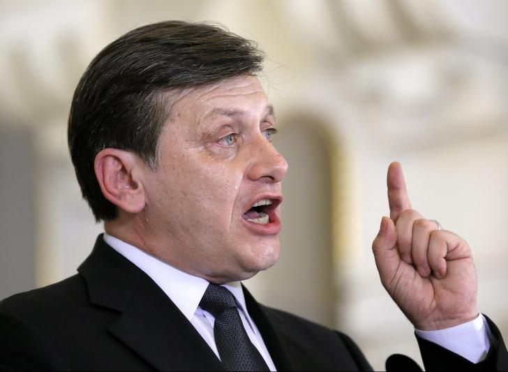 """Crin Antonescu, prima reacţie la candidatura lui Marian Munteanu: """"Pentru mine, figura sa este..."""""""