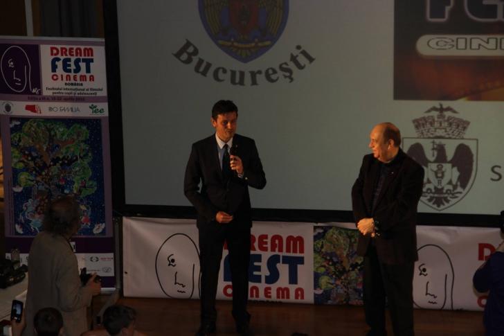 Răzvan Sava:Adulții au obligația să nu frângă aripile creative ale copiilor prin judecăți de valoare