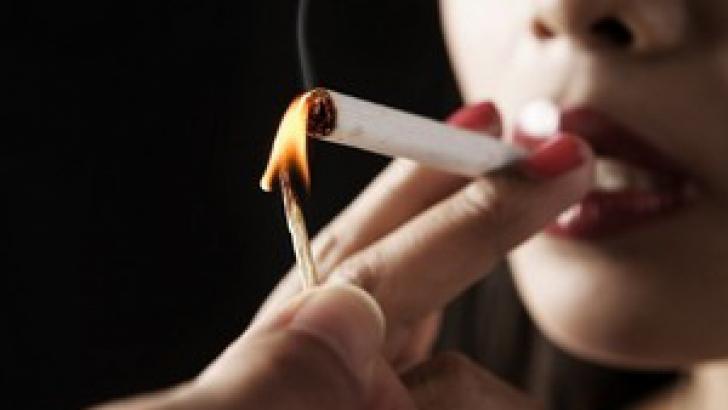 Băutura care te ajută să combaţi efectele fumatului