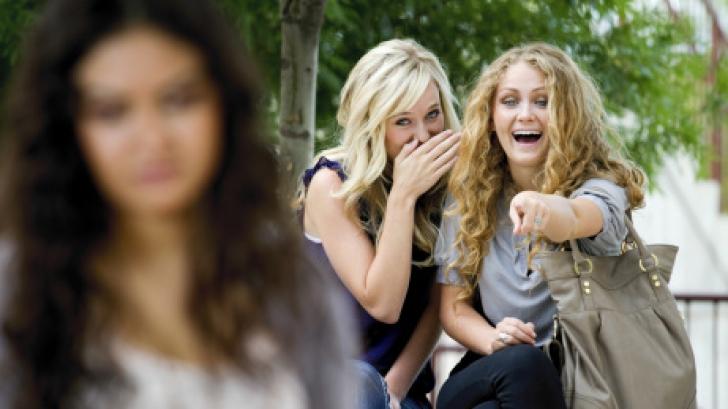 Colegii au râs de ea la şcoală şi i-au spus că e urâtă. Ce a făcut fata apoi, în pauza mare