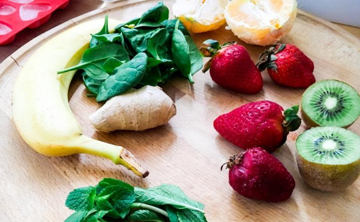 """Secretul tenului Laurei Cosoi: Beau """"curcubeu de vitamine"""". Cum se prepară"""