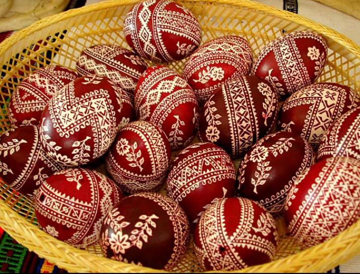 De ce creștinii ciocnesc ouăle de paște