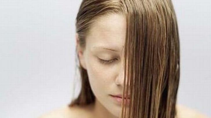 Alimente care fac părul să devină gras. Ai grijă ce mănânci!