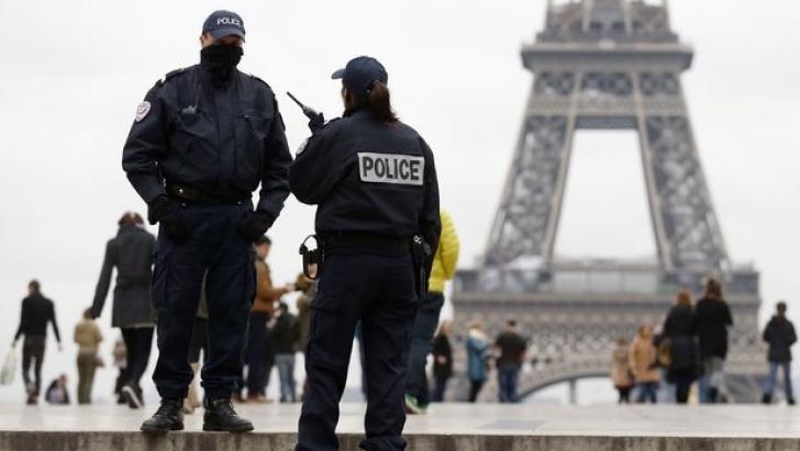 Franța: Cel puțin 24 de polițiști răniți în ciocniri cu protestatarii. Peste 120 de arestări