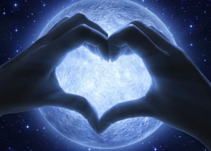 9 superstiții în dragoste care te ajută să-ţi găsești perechea