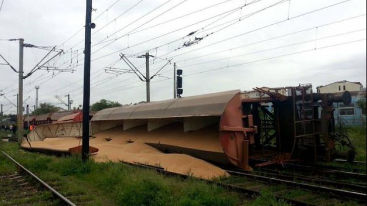 Incident feroviar la Craiova. Un tren cu cereale a deraiat la intrarea în gară