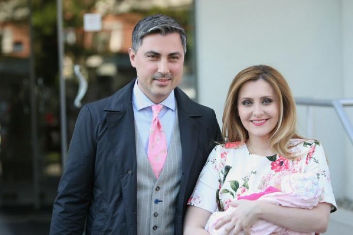 Alina Sorescu a născut. Primele imagini cu fetiţa artistei