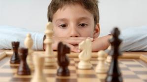 Sărbătorește Ziua Copilului în fața tablei de șah!