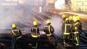 Incediu pe o linie de cale ferată din Londra. Trafic feroviar, perturbat