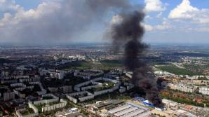 Incendiu de amploare la un mall din Berlin. Sute de pompieri, mobilizaţi să stingă focul