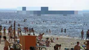 Părea o zi normală la plajă, dar când turiștii au privit în larg, s-au îngrozit!