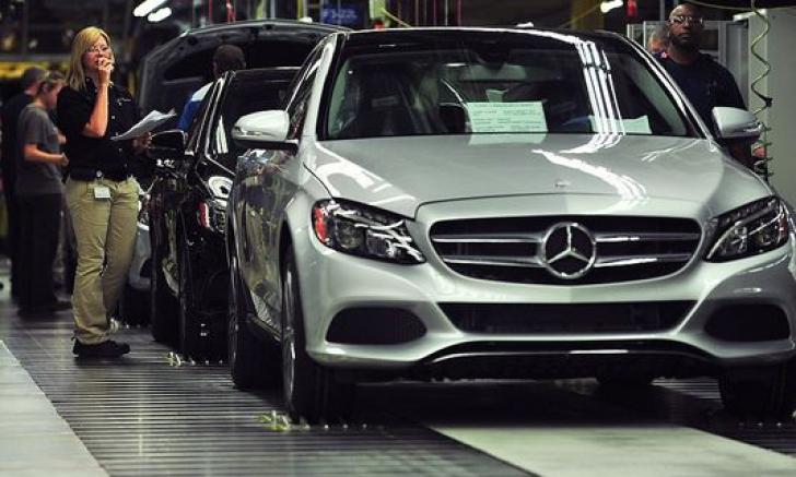 Fabrici Mercedes în Polonia şi Ungaria