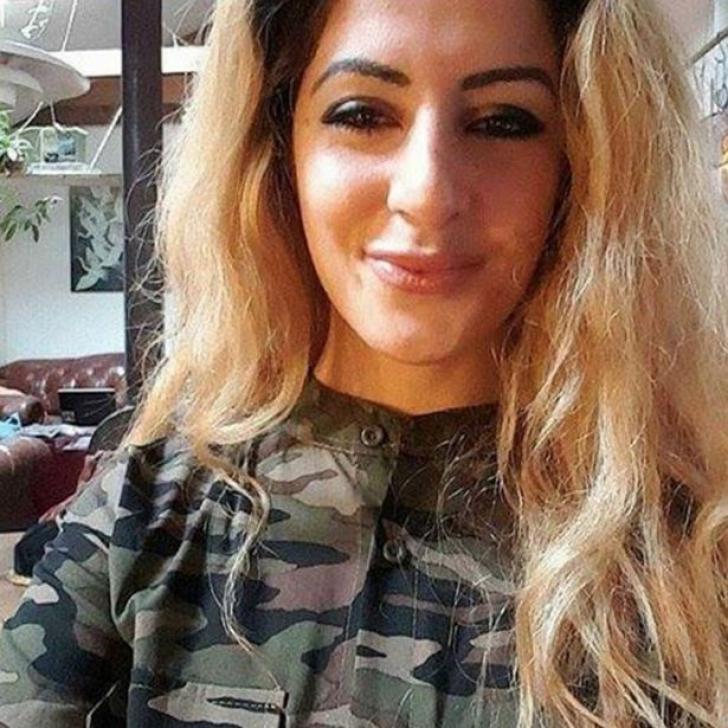 Bomba sexy a renunțat la tot să ucidă jihadiști ISIS. Era studentă la științe politice
