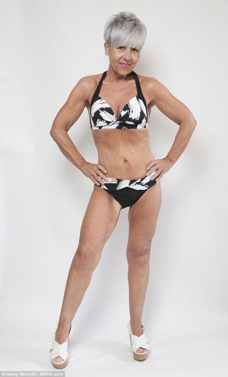 A devenit fotomodel pentru lenjerie intimă la 55 de ani. E incredibil cum arată această femeie