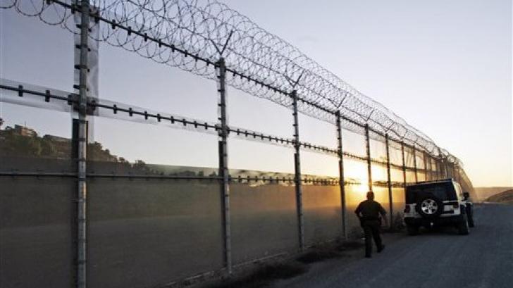 Ungaria consolidează gardul construit la frontiera cu Serbia