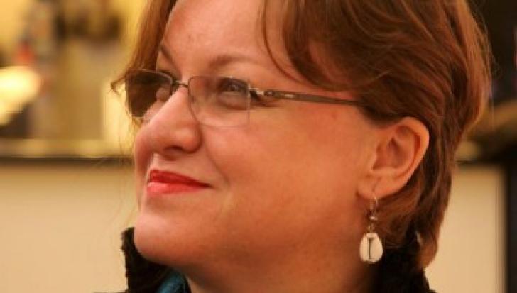 Corina Şuteu, propusă la ministerul Culturii, organiza petreceri la Cannes pe banii statului