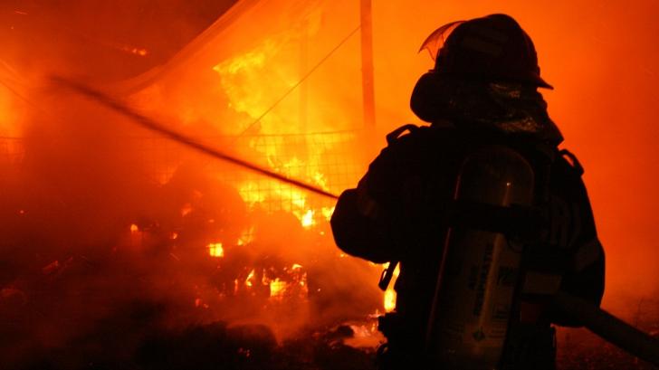 Dosar penal pentru ucidere din culpă în cazul pompierului mort în incendiul de la Jilava