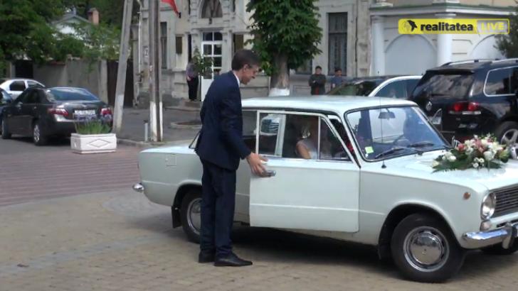 Primele imagini de la nunta primarului Chişinăului. Cum arată mireasa