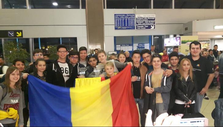 Performanță impresionantă a românilor în SUA! România, locul 3 la Campionatul Mondial de Robotică