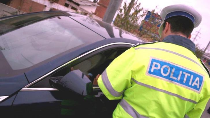 Doi poliţişti de la Rutieră, bătuţi după ce au tras o maşină pe dreapta. Şoferul era beat