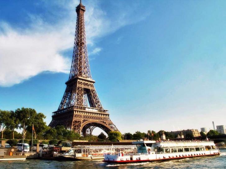 Cum arată apartamentul secret din Turnul Eiffel. Pentru cine a fost construit