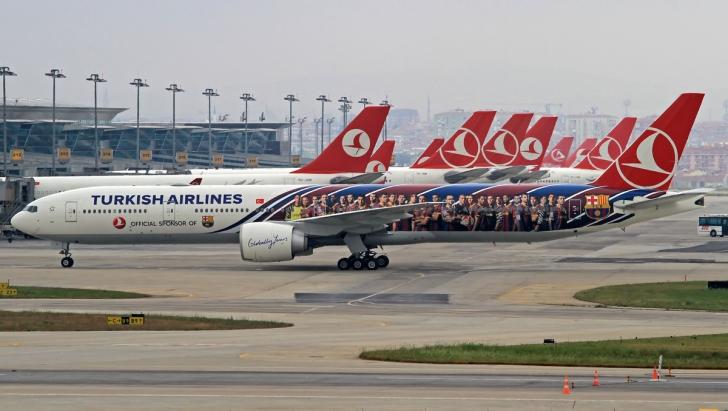 Ameninţare cu bombă într-un avion Turkish Airlines. Cei 134 de pasagerii, evacuaţi