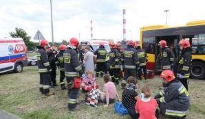Accident înfiorător! Coliziune violentă între un autobuz şi un tramvai. Peste 20 de victime / Foto: expressilustrowany.pl