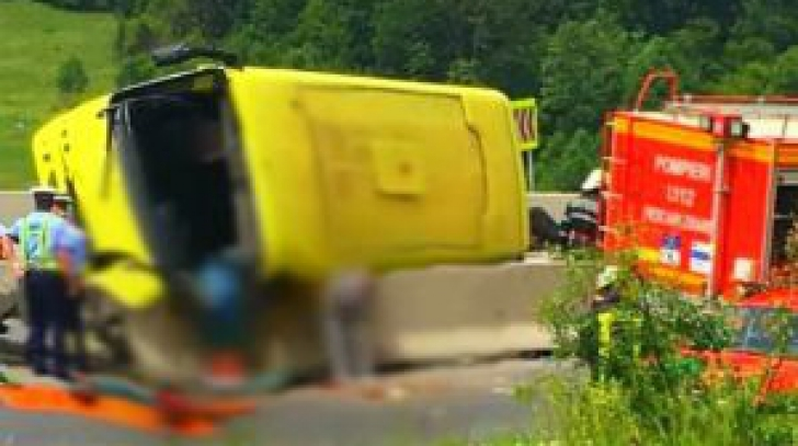 Autocar răsturnat la Braşov. Detaliul cutremurător dezvăluit de anchetă