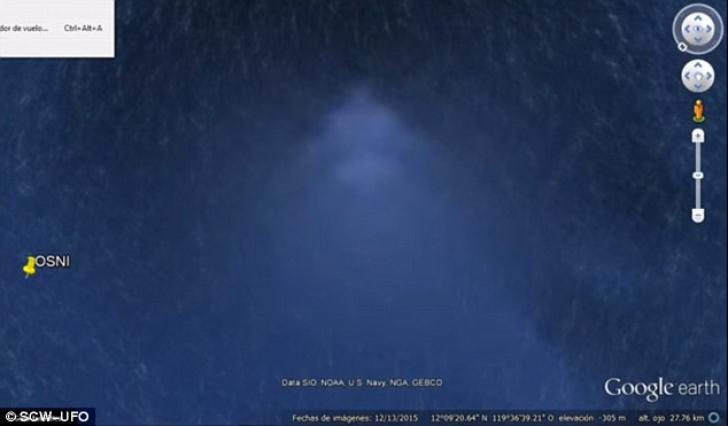Piramida pe fundul oceanului