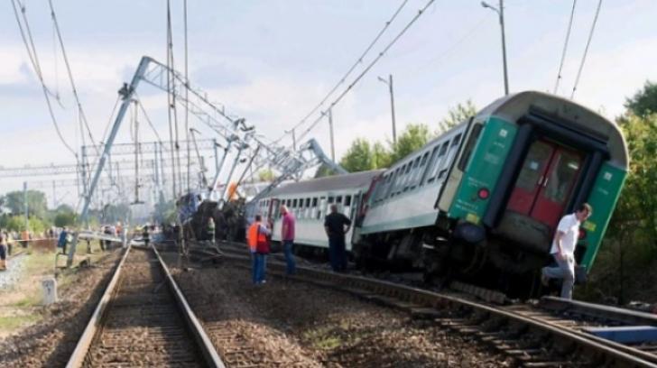 Accident feroviar în Bistriţa Năsăud. Două vagoane au deraiat. Traficul, oprit