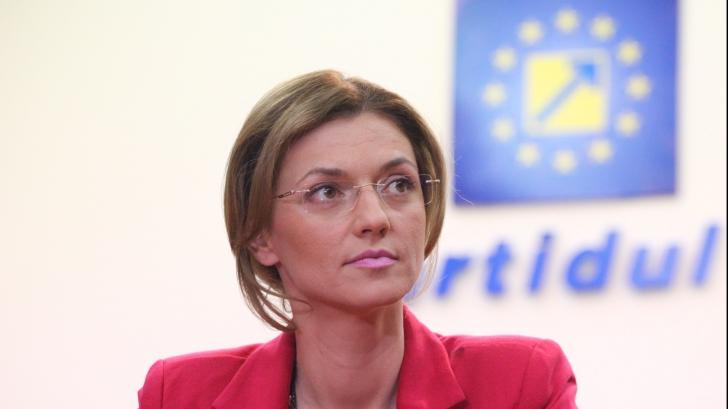 """Alina Gorghiu, după fuziunea UNPR-PMP: """"UNPR se decredibilizează fuzionând cu Băsescu"""""""