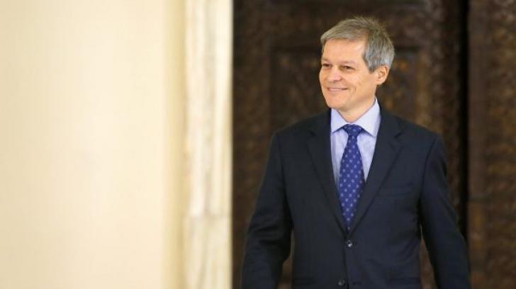 Dacian Cioloş, întâlnire cu liderii PNL, marţi, la Parlament