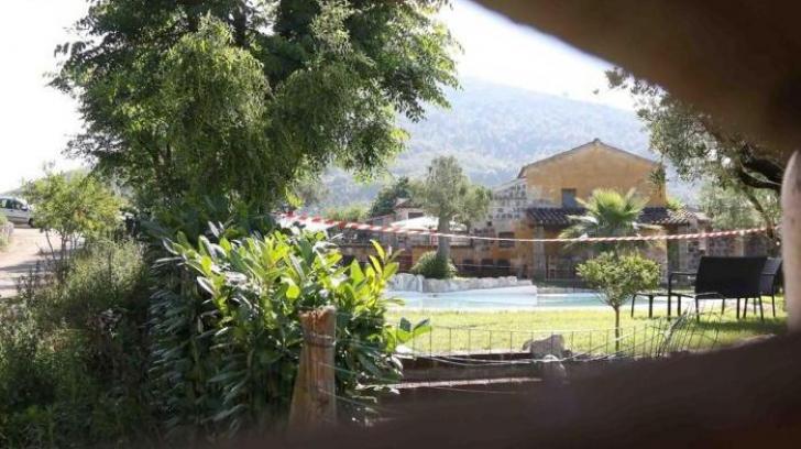 Dezvăluiri despre fetița româncă moartă în piscină în Italia. Rezultatul autopsiei e cutremurător