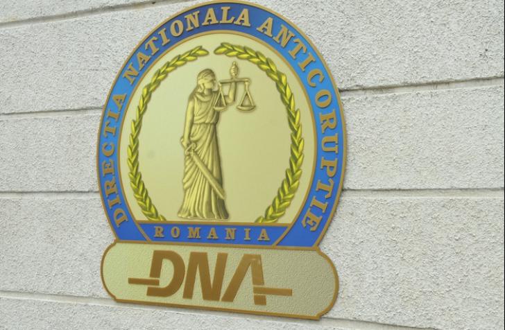 Refererat: Milionul de euro primit de Olteanu, transferat dintr-un cont din Cipru și scos numerar