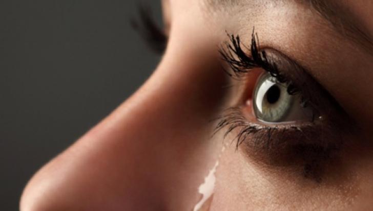 A mers la coafor şi, când a plecat, a izbucnit în lacrimi. Nu credea că i se poate întâmpla asta
