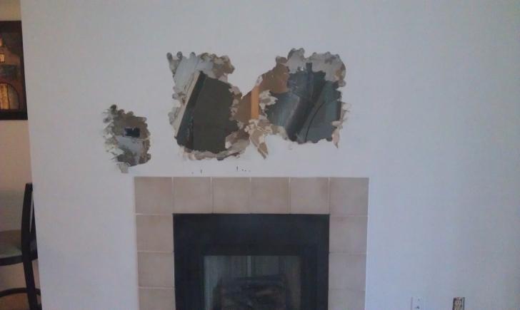 A auzit zgomote ciudate din perete. A spart zidul şi a RĂMAS ÎNGROZIT de ce a găsit