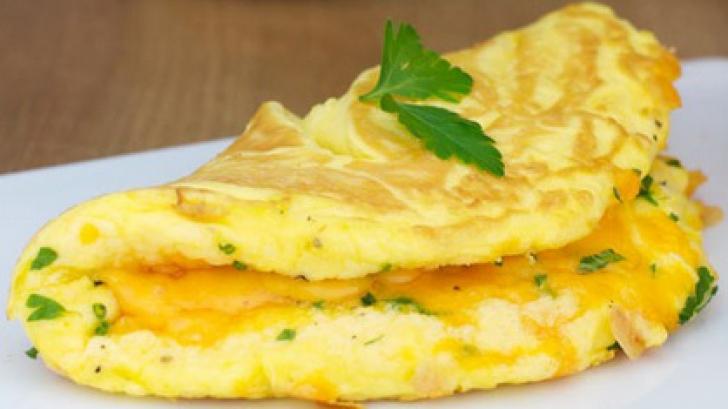 Cum să faci cea mai bună omletă. 5 paşi simpli pentru un rezultat garantat