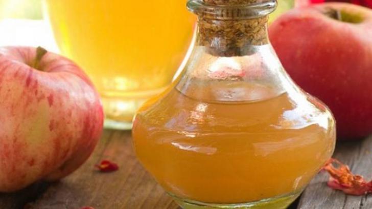 Motive pentru care oţetul din cidru de mere e cel mai bun remediu natural