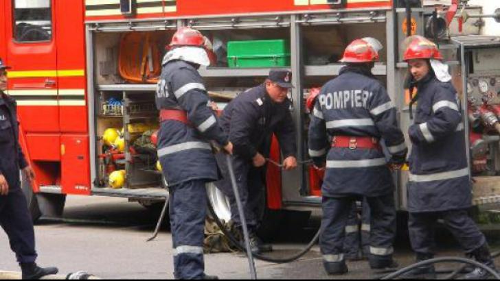 Autocamion în flăcări pe DN 2, la ieșirea din municipiul Buzău