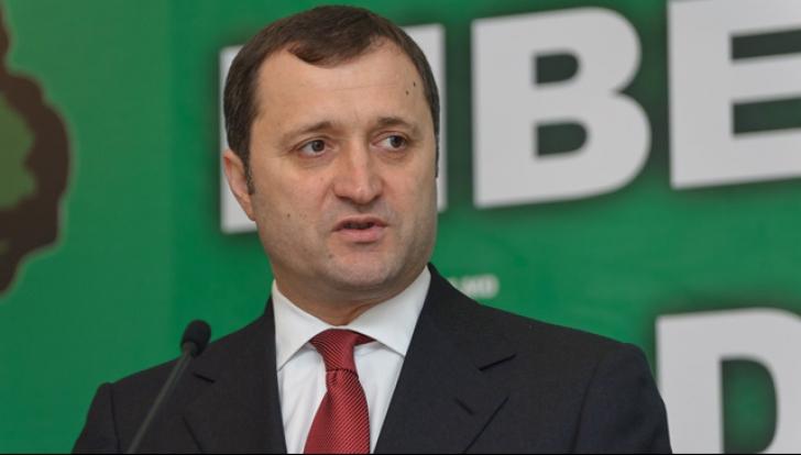 Vlad Filat a renunțat la greva foamei