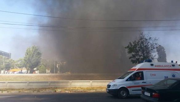 Incediu puternic pe un şantier din Iaşi, la o baracă ...  |Incendiu Iasi